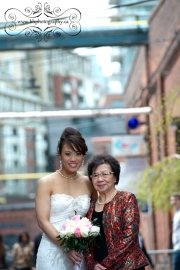 Toronto_Distillery_District_Wedding_Photograph-21
