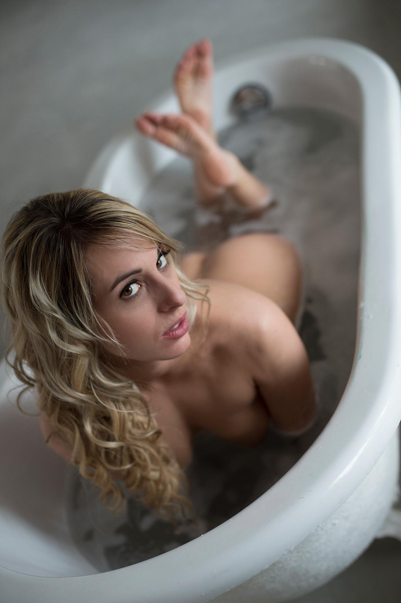 Ottawa boudoir photographer