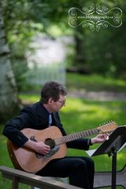 strathmere-inn-garden-spring-wedding-04