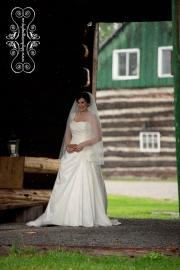 Stonefields_Vintage_Farm_Wedding_Ottawa-17