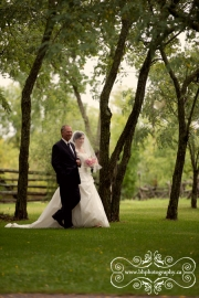 Stonefields_Vintage_Farm_Wedding_Ottawa-50